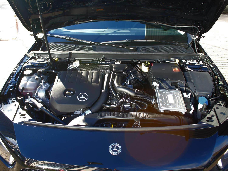 Mercedes-Benz A200 под капотом