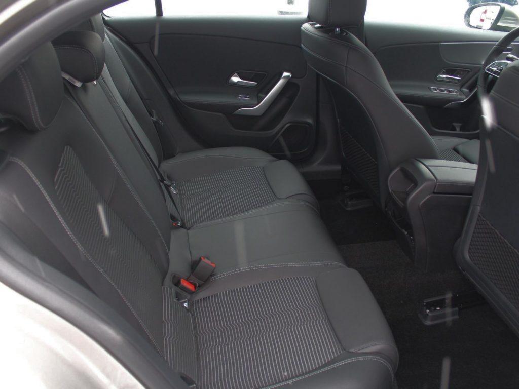 Mercedes-Benz A200 задний диван