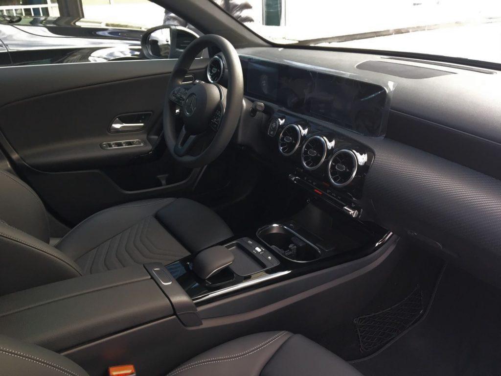 Mercedes-Benz A200 место водителя