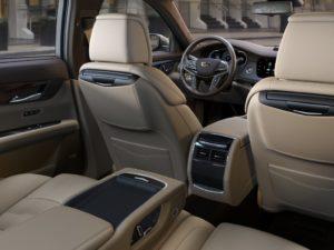 Cadillac CT6 второй ряд