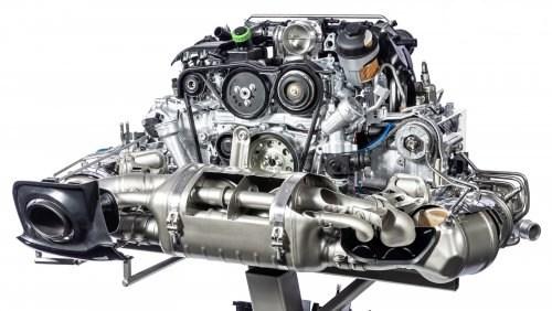 Двигатель со спортивным выхлопом