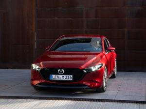 Mazda 3 перед