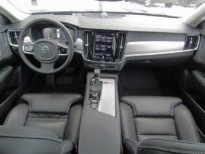 Volvo S90 место водителя