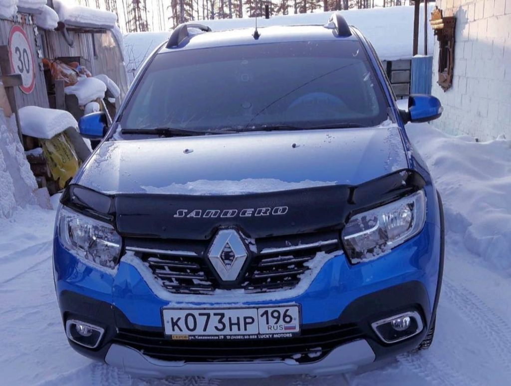 Renault Sandero Stepway спереди