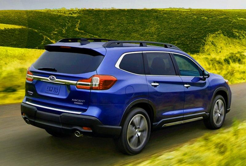 Subaru Ascent сзади
