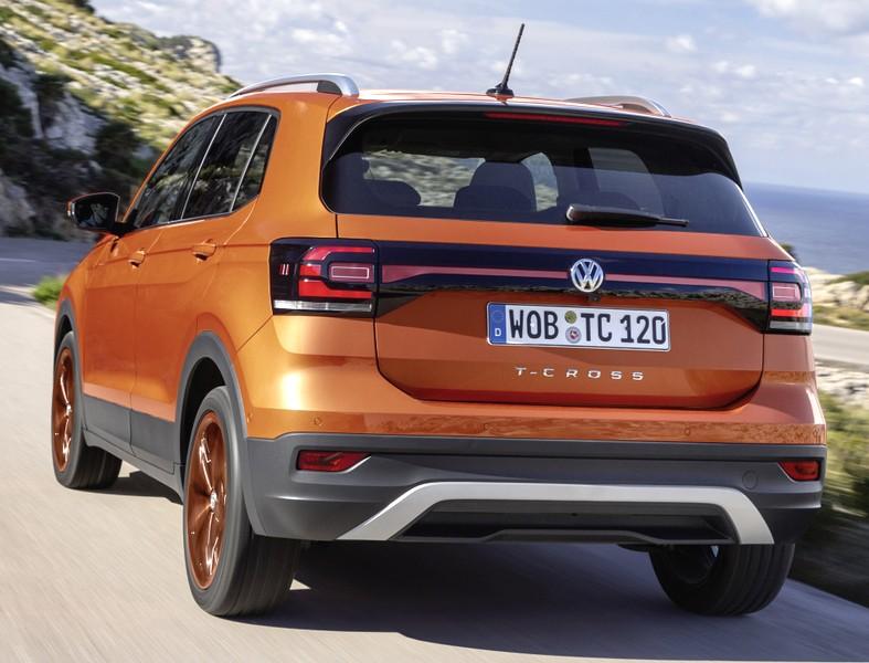 Volkswagen T-Cross сзади