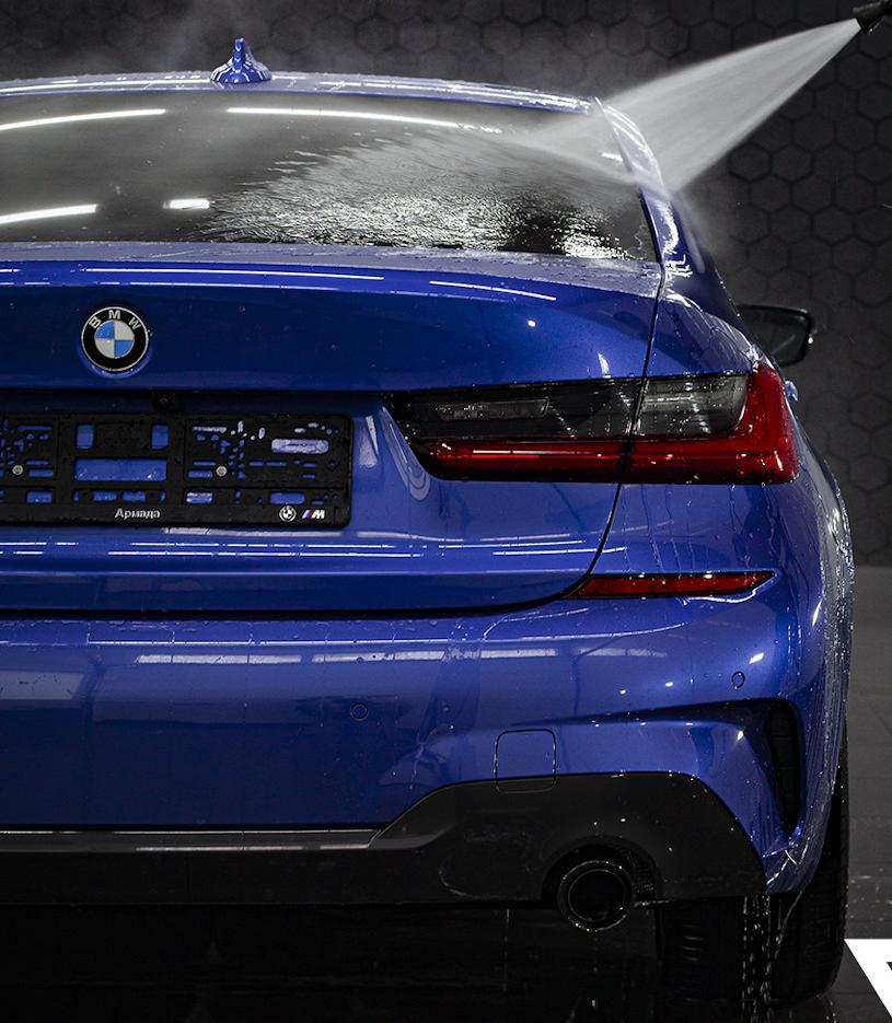 BMW 3-Series сзади