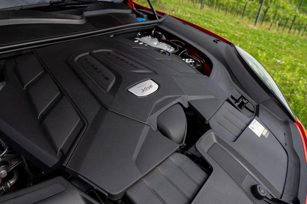 двигатель V6